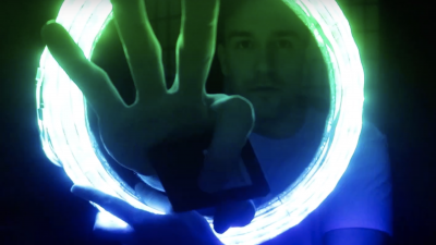 Make This Dirt Cheap DIY Ring Light (Mostly) out of Household Stuff