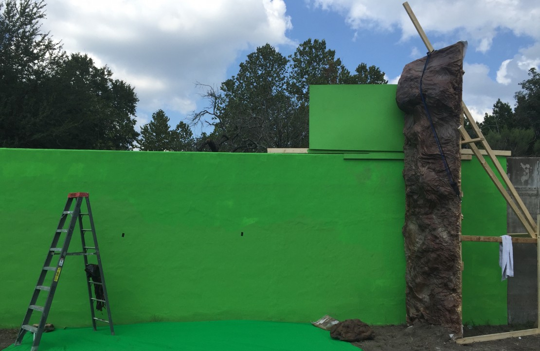 Green screen and wall