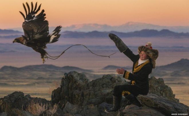Asher Svidensky's photo that inspired 'The Eagle Huntress'
