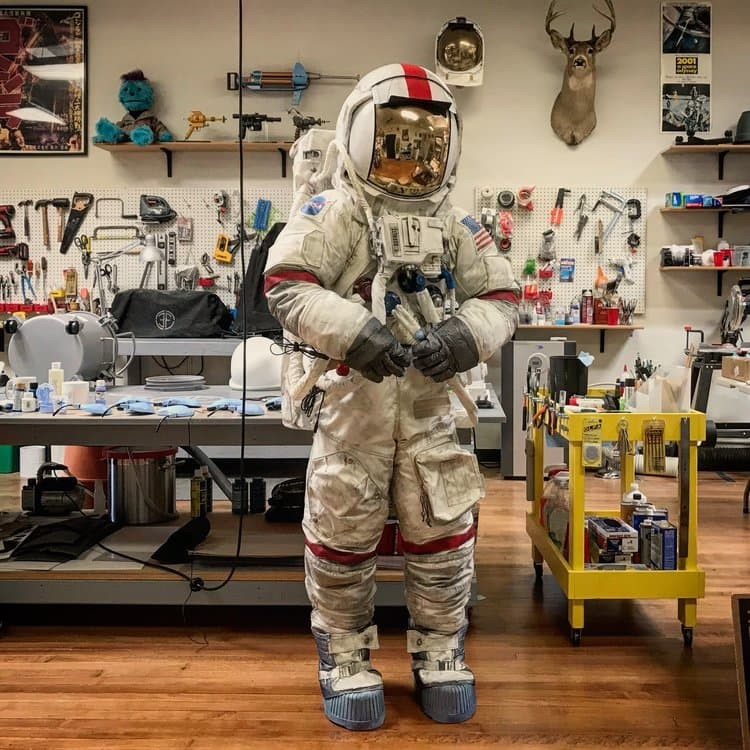Space-Suit-Costume-Design-Shop