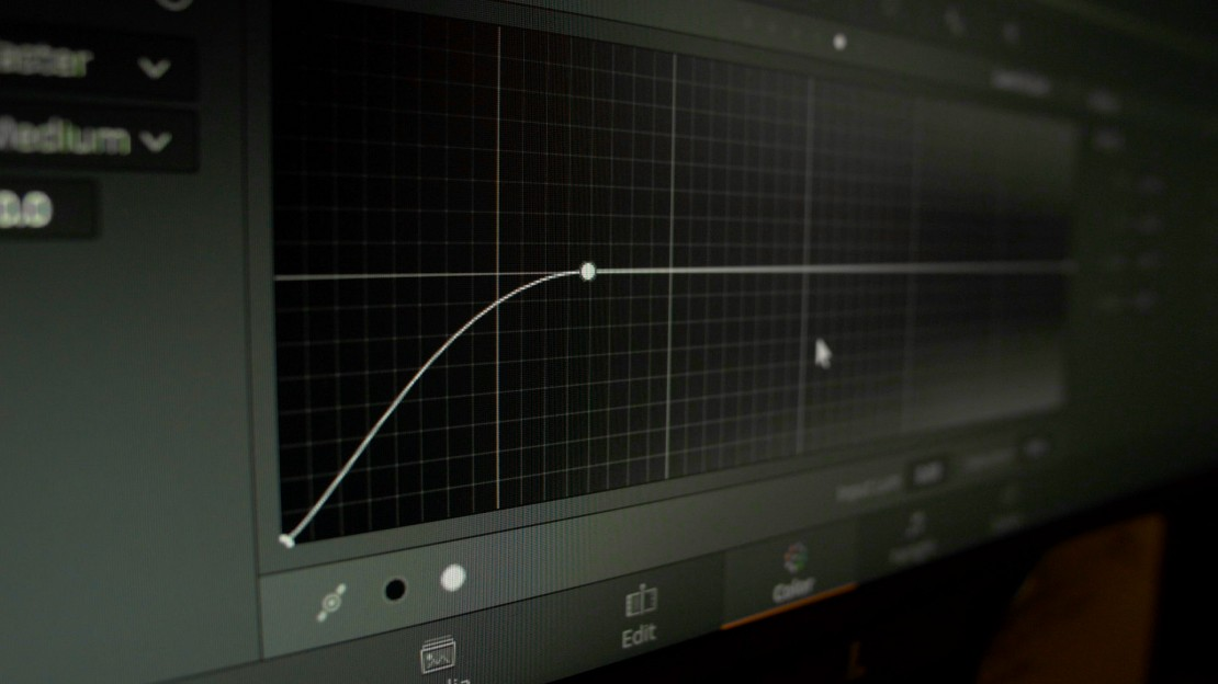 luminance-saturation curve in resolve
