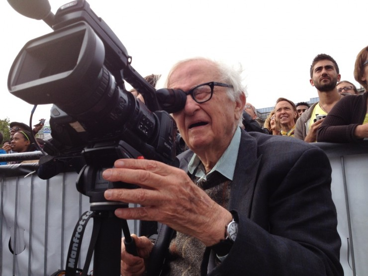 Albert Maysles shooting STREB performing in London.