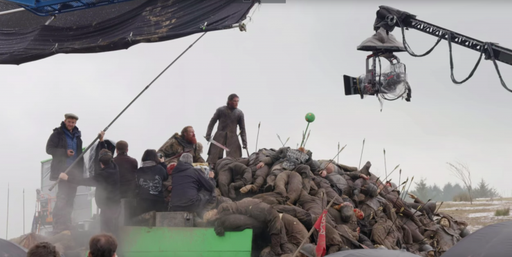 Behind the scenes&Bloopers - Page 3 Behind_the_scenes_game_of_thrones_battle_of_winterfell_no_film_school