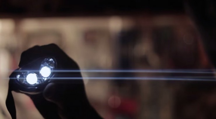 Creating Anamorphic Lens Flares for No Money