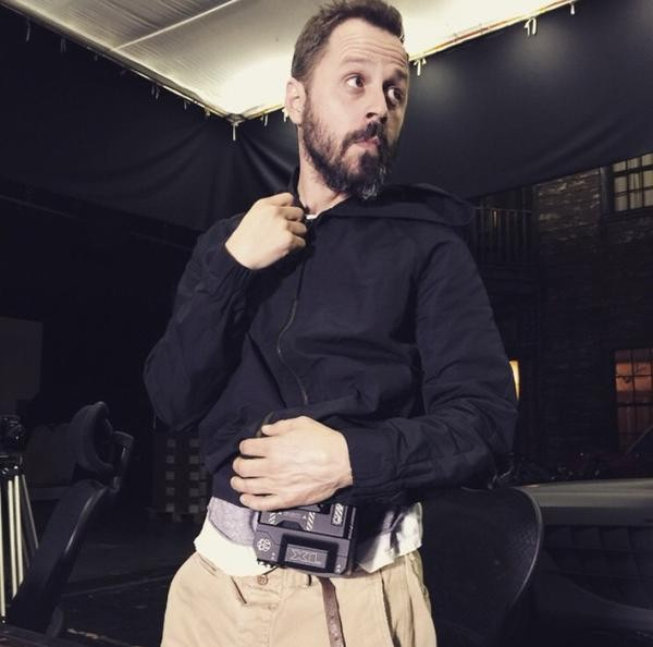 Giovanni Ribisi Holding RED WEAPON Camera