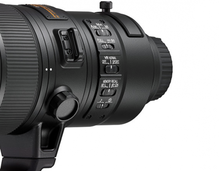 Engaging and disengaging the teleconverter is as easy as flipping a switch