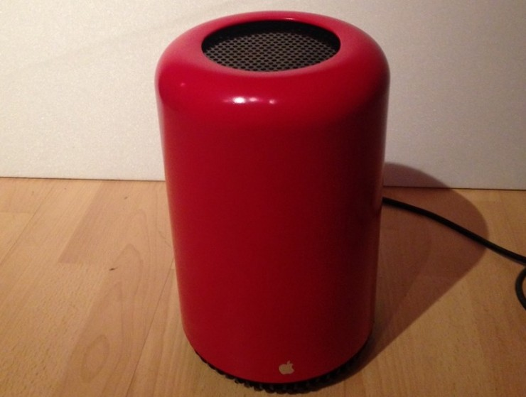 Hackintosh Mod Used an Actual Trash Can to Look Like Apple's
