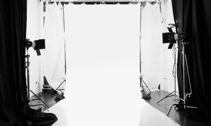 How To Light Shoot A Seamless White Background From Start
