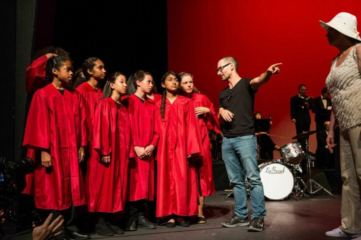 Uhlfelder directing the West Los Angeles Children's Choir