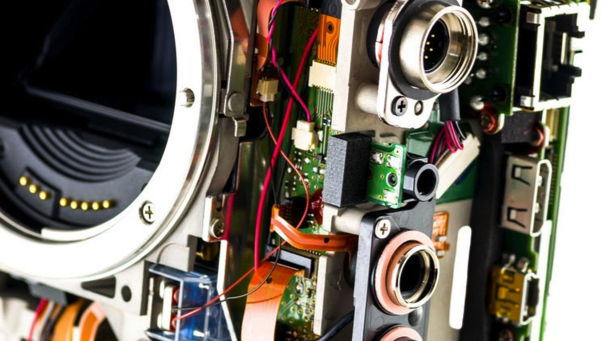 Learn How to Fix Your Own Camera from This New Teardown Website