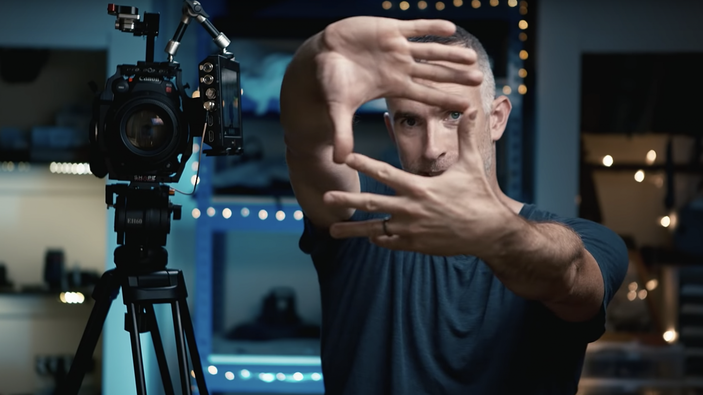 Learn How to Frame Up Your Shots with 'Finger Frames'