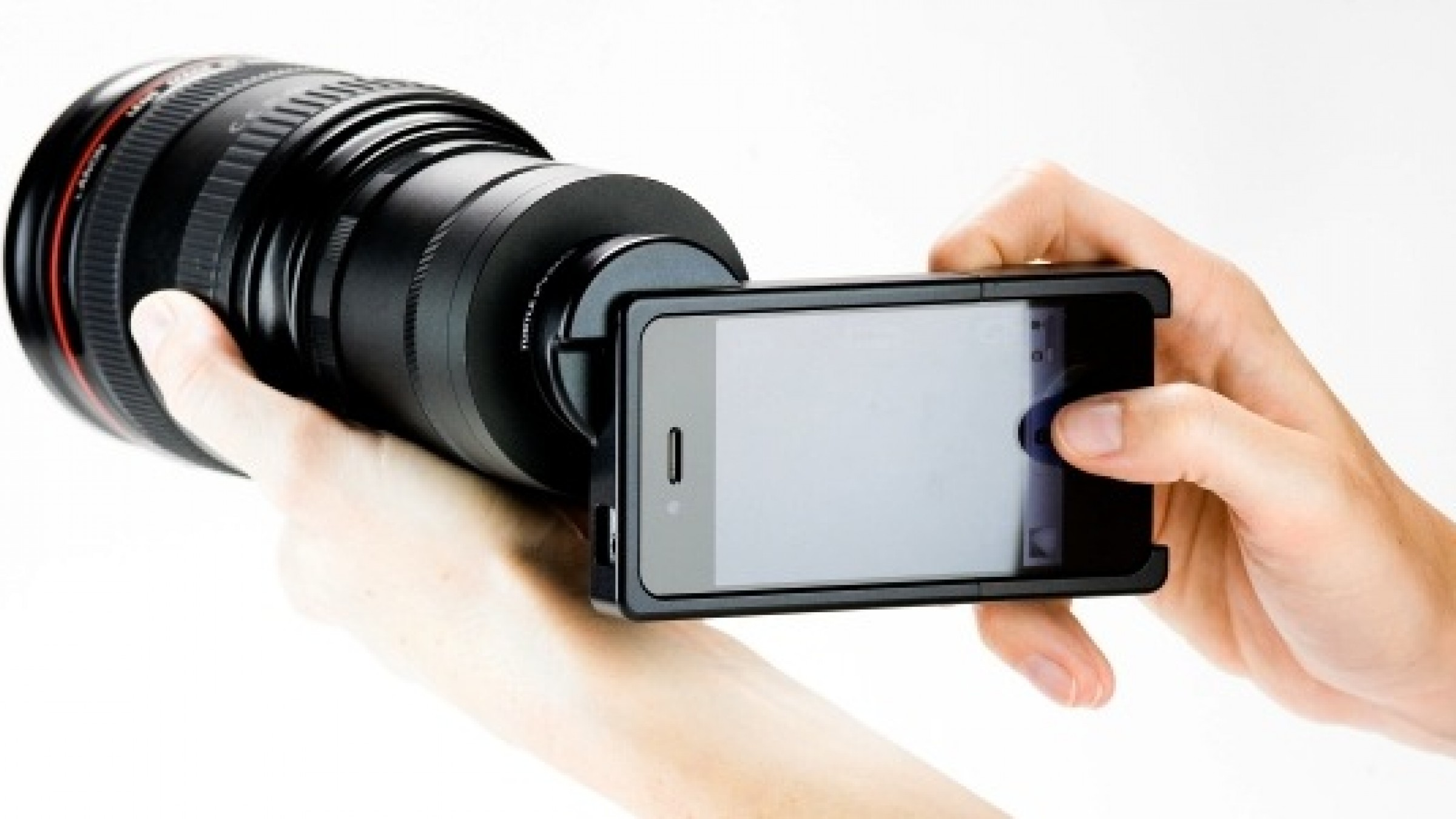 New adapter lets you use your slr lenses with your iphone. seriously