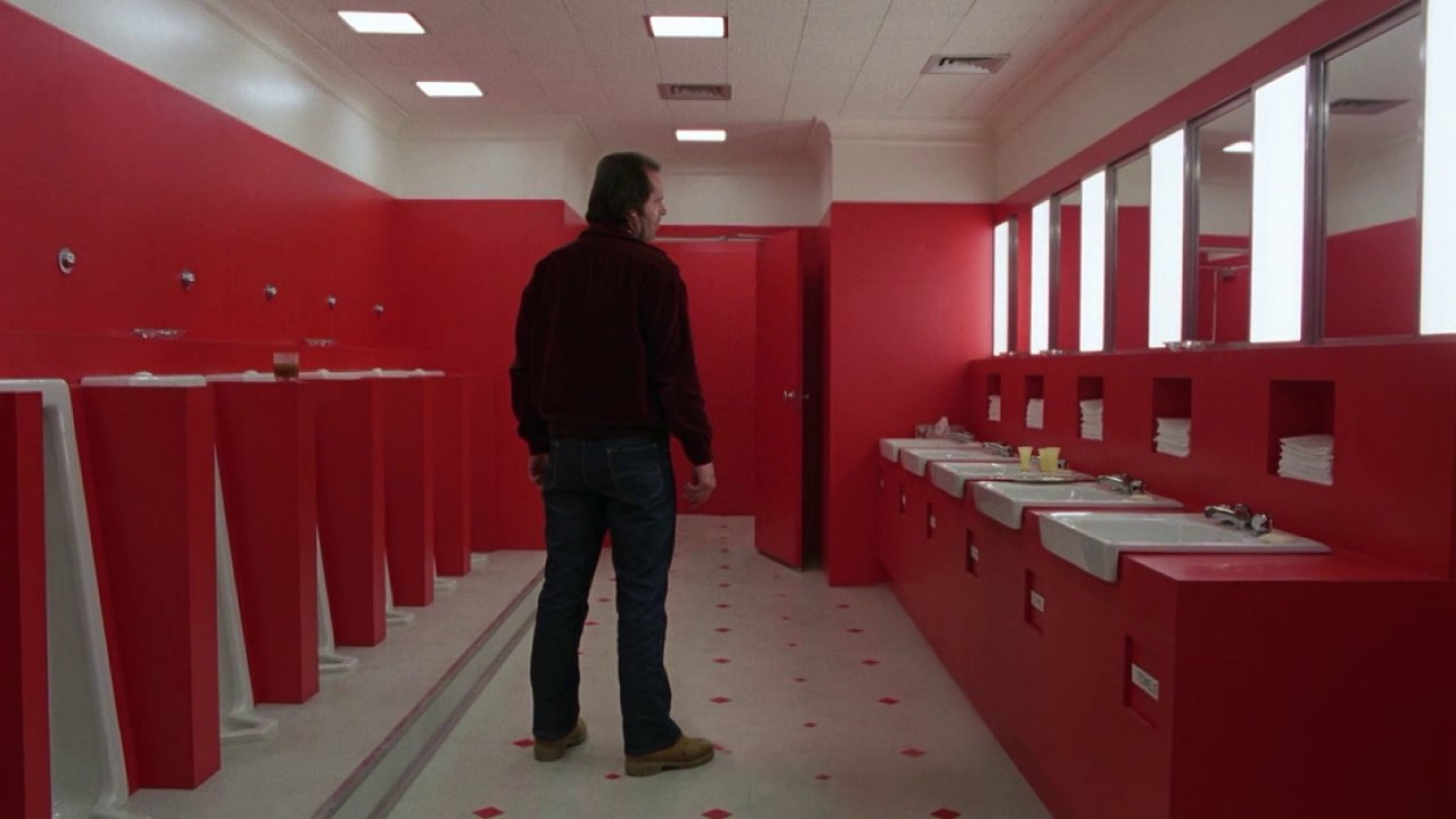 Watch scenes from 39 fight club 39 without tyler durden 39 the for Bathroom scenes photos