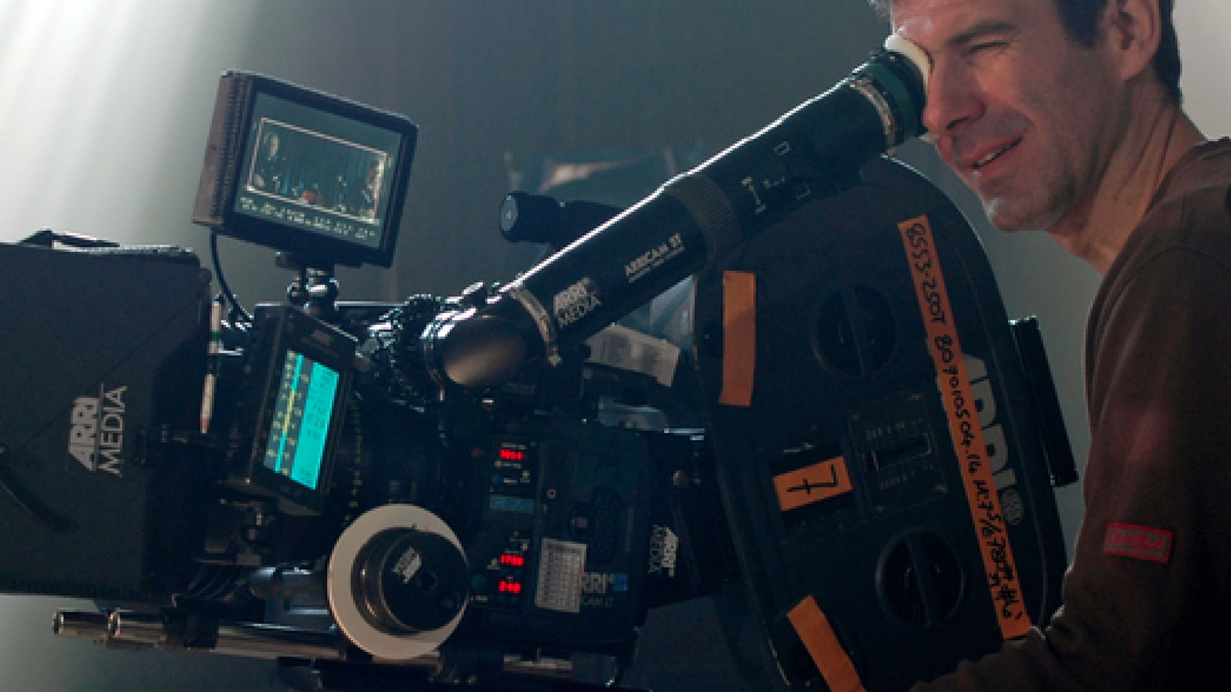'House of Cards' DP Reveals the Camera & Lighting Techniques of the Popular Netflix Series