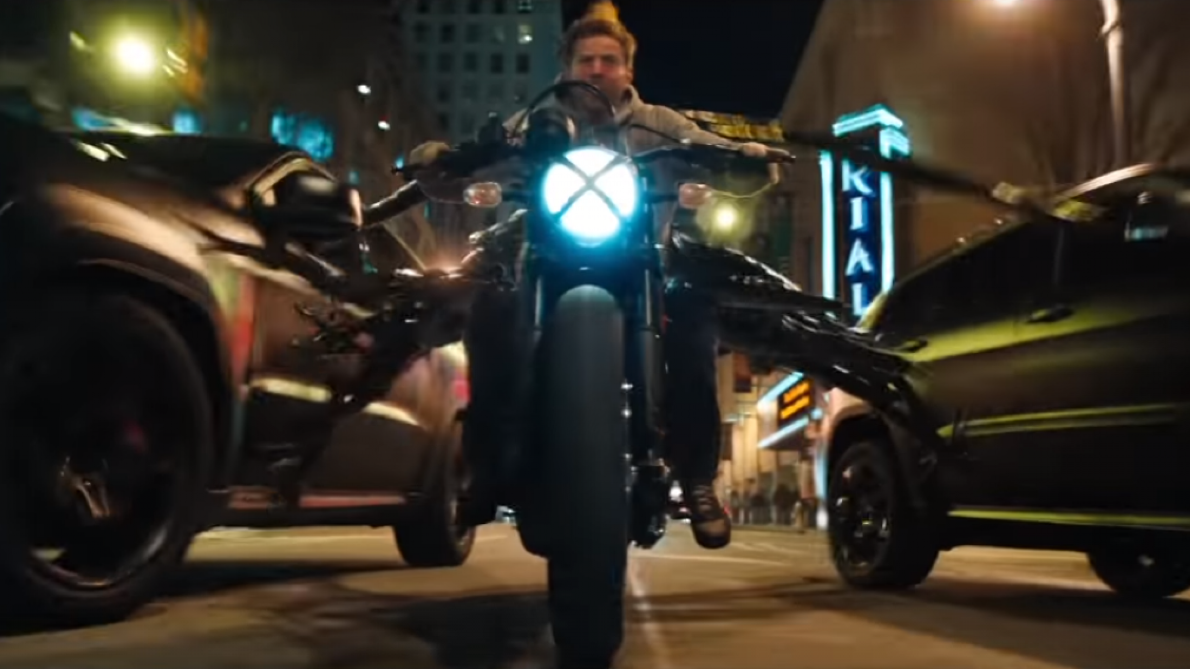 How 'Venom' Pulled Off that Motorcycle Chase Scene