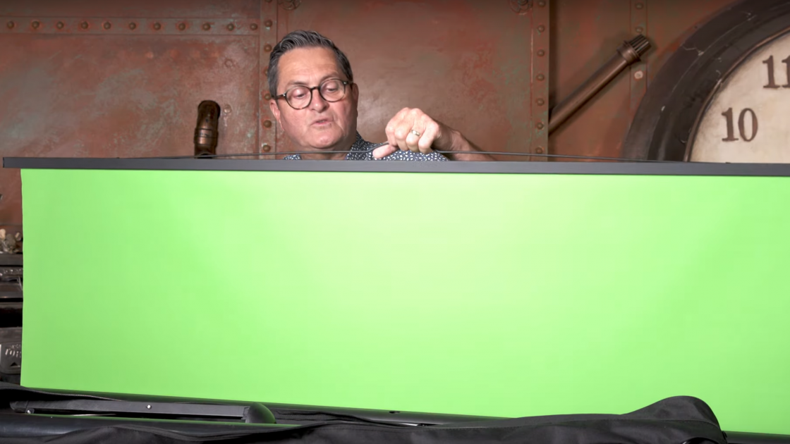 Six Tips for Shooting with a Portable Greenscreen [Video]