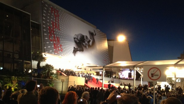 Cannes palais night